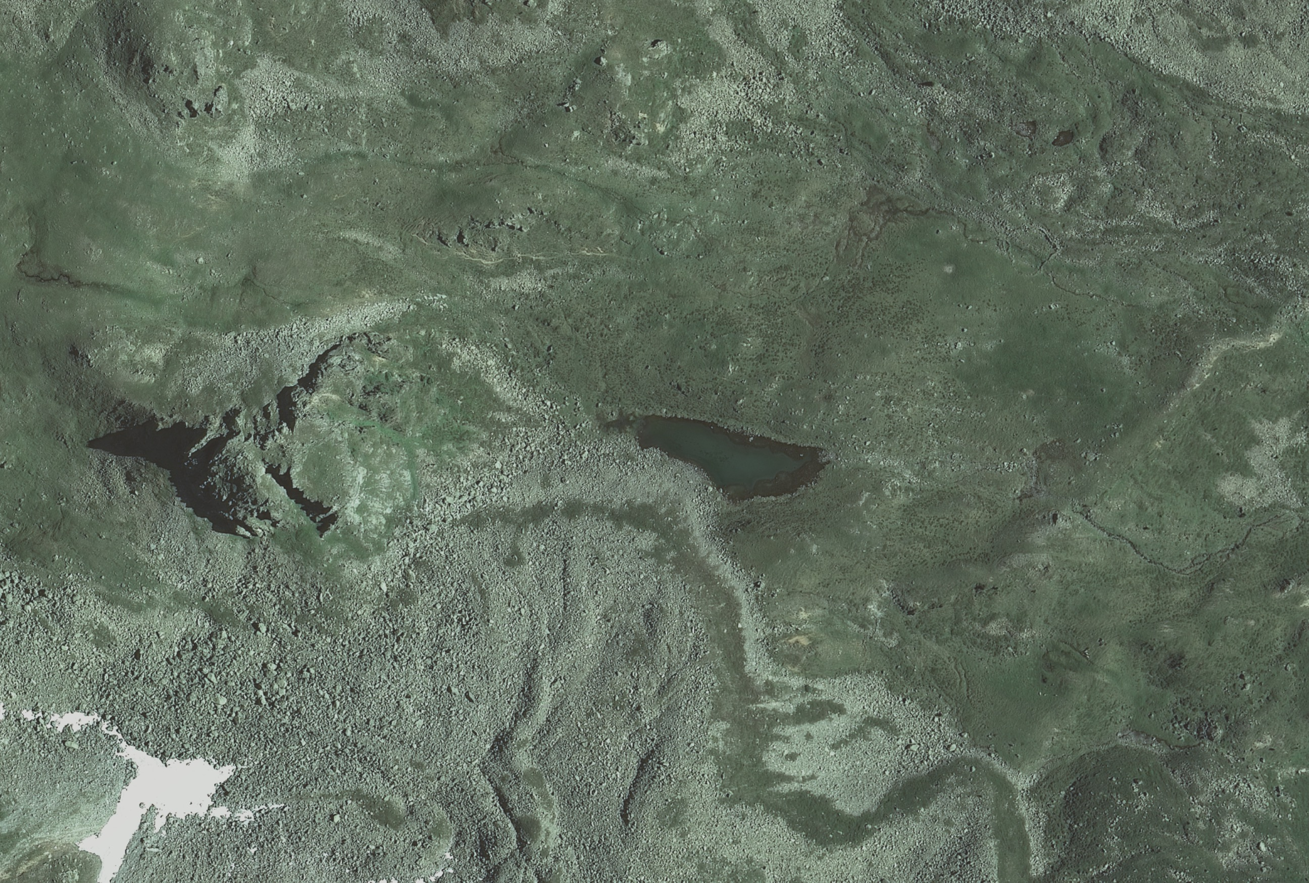 Lago  Poinella dal satellite