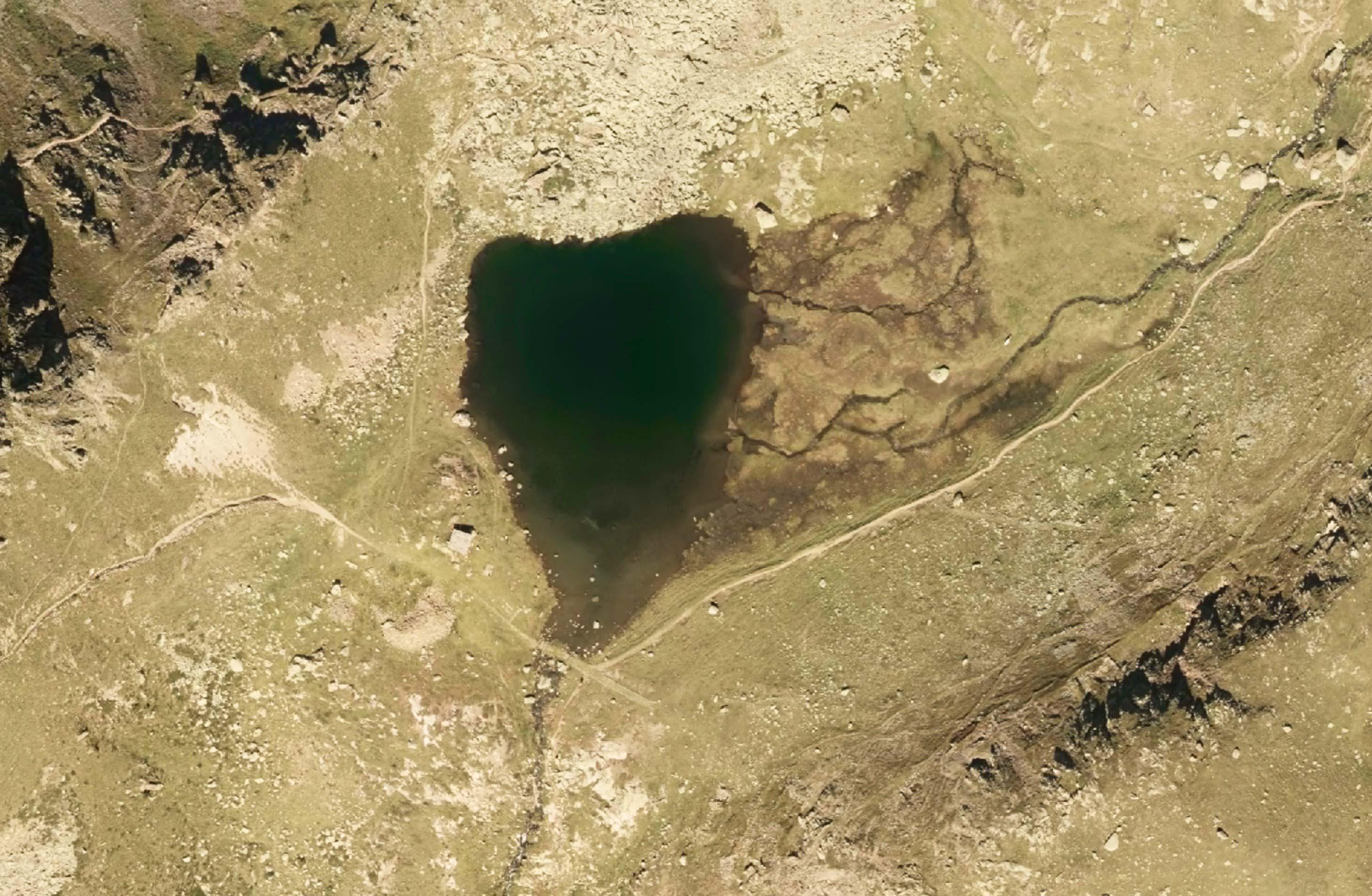 Lago di Lusia inferiore dal satellite